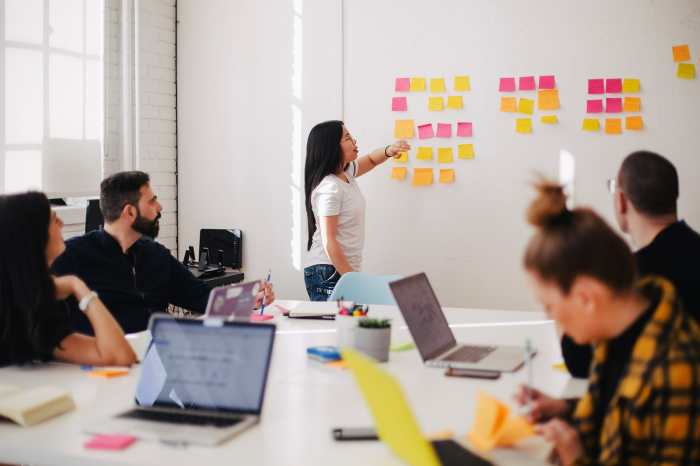 Image showing team brainstorming for website marketing digital project